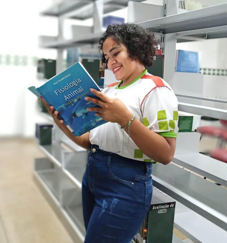 Egressa do IFRR/Amajari é aprovada em mestrado profissional em rede nacional