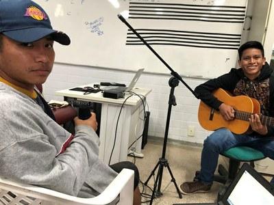 Músicas desenvolvidas de abril a novembro foram inspiradas por situações do cotidiano dos jovens