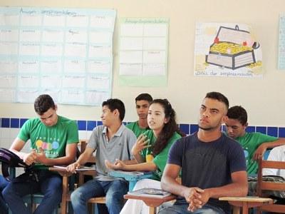 Alunos da Escola Estadual Francisco Pereira da Silva, localizada na Vila do Trairão