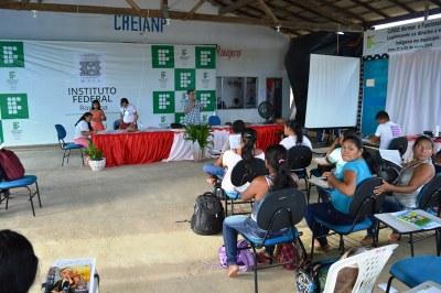 Campus Amajari certifica professores da região