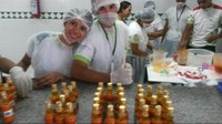 Alunos produzem molho de pimenta no IFRR/Câmpus Amajari
