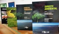 Campus Amajari recebe doação de livros da Embrapa