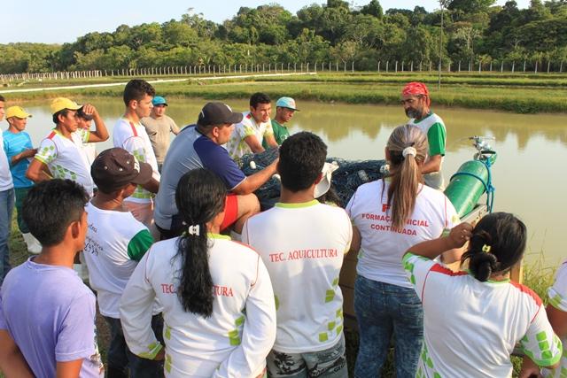 IFRR faz visita técnica à estação de piscicultura de Balbina