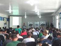 SEMINÁRIO DE FRUTICULTURA – Acadêmicos de Agronomia do CNP participam de Dia de Campo